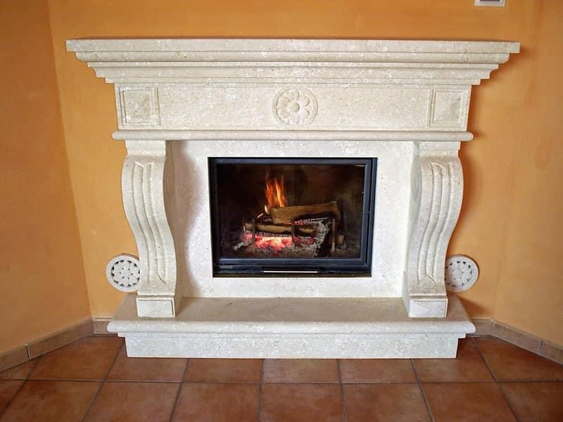 Fireplace Livorno, Struktur aus in Vicenza weißen Stein für Kamin