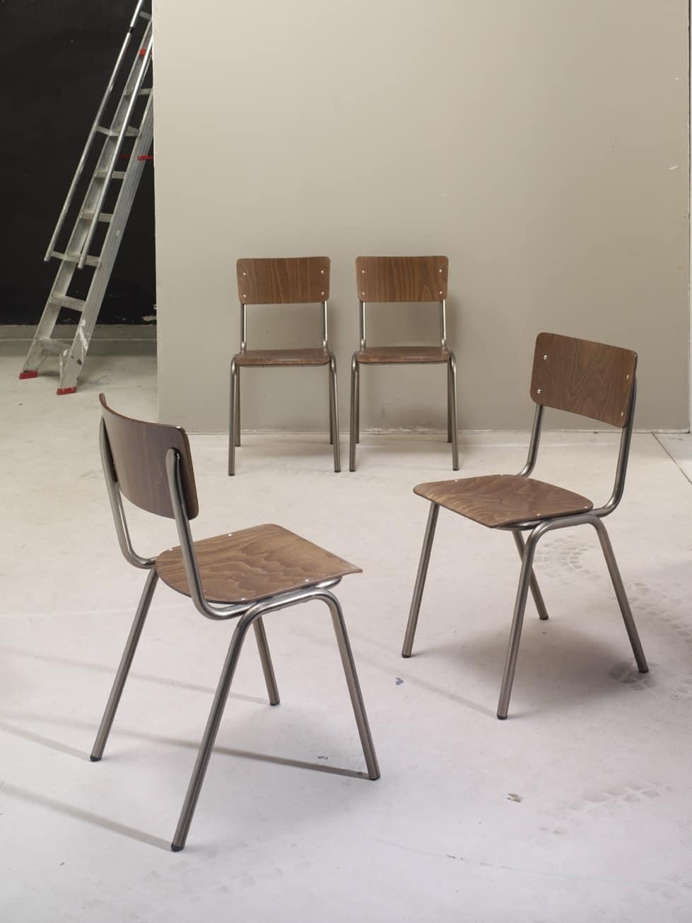 2.06.0, Metallstuhl mit Sitz und Rückenlehne aus Holz, für Kirchen