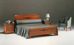 2465 Bett, Klassisches Bett in eingelegtem Holz