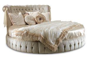 ART. 2493, Rundes Bett mit getuftetem Kopfteil
