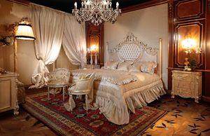 Art. 490, Wunderschönes Bett mit geschnitzten Säulen