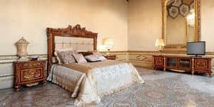 Art. 645, Intarsien -Bett mit gepolstertem Kopfteil