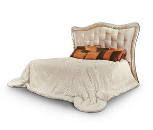 FLORA / Bett, Bett mit gepolstertem und geschnitztem Kopfteil