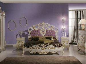 Isabel Bett, Luxuriöses Bett mit Schnitzereien