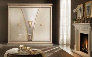 Fantasia Kleiderschrank, Luxuriöse Garderobe im neoklassischen Stil