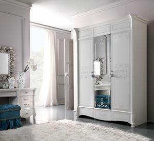 Prestige Art. 320, Kleiderschrank im klassischen Stil
