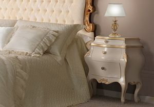 Angela lackierter Nachttisch, Luxus lackierter Nachttisch im Barockstil