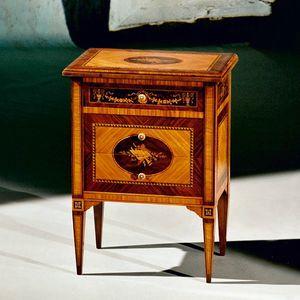 Art. 191 Musica, Elegant eingelegter Nachttisch