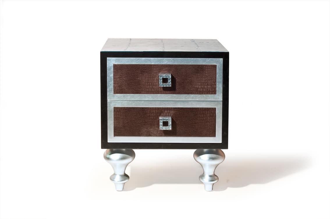 Art. 2238 Roxanne, Nachttisch mit Lederschubladen und Swarovski Dekorationen