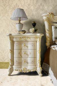 Madame Royale Nachttisch, Luxuriöser klassischer Nachttisch