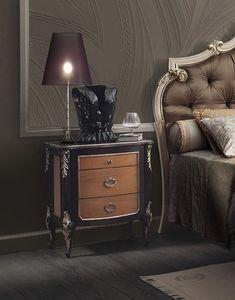 R89 / Nachttisch, Drei-Schubladen-Nachttisch, handgefertigte Dekorationen