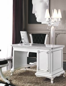 Art. 3244, Eleganter weiß lackierter Schreibtisch
