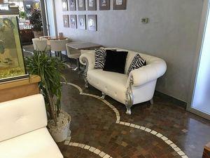 Oceano Stoff Zweisitzer, Gepolstertes Sofa, barockisiert