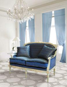 Art. 736/2, Zweisitzer-Sofa, mit handgefertigten Schnitzereien