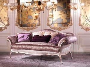 Julia, Luxus-Sofa in Feder, in lilafarbenen Wald bedeckt