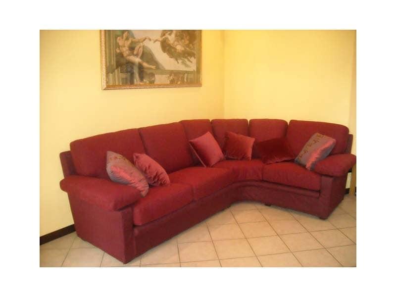 Maximum Sofa, Sofa in rotem Stoff, für Wohnzwecke