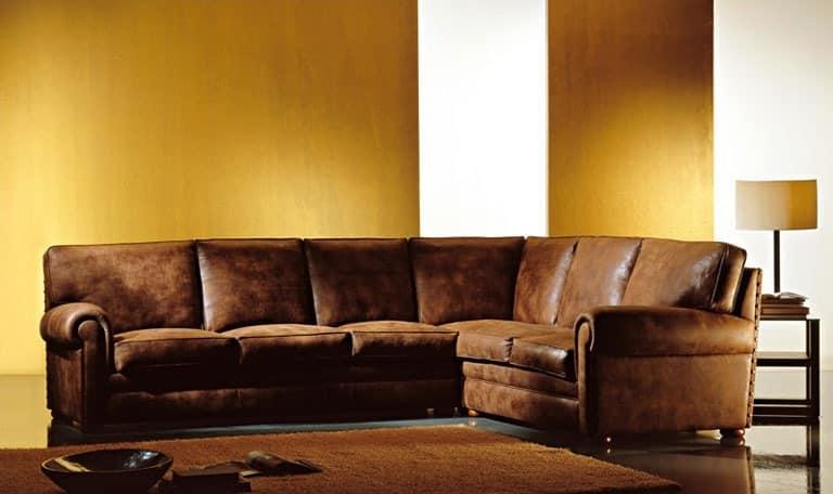 Oregon, Gepolstertes Sofa, großen Kissen, klassischen Stil