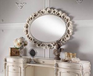 Chippendale ovaler Spiegel lackiert, Spiegel mit fein geschnitztem Rahmen