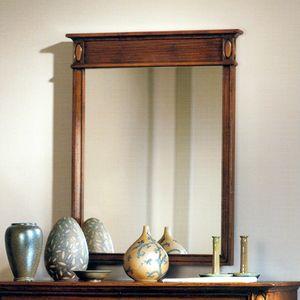 Etretat VS.0239, Wandspiegel aus Walnussholz mit geripptem Band oben