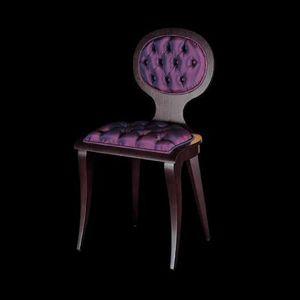 245S, Stühle mit Capitonné-Polsterung