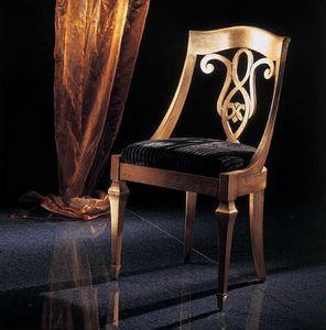 267S, Klassischer Stuhl mit verzierter Rückenlehne