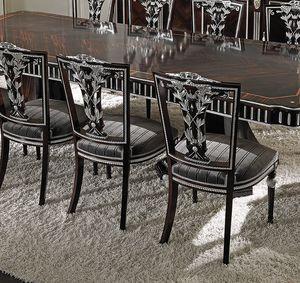 ART. 2738, Klassischer Stuhl mit silbernen Details