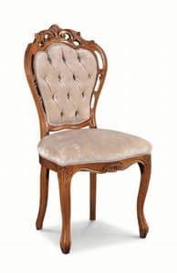 Art. 520s, Stuhl mit Holzschnitzereien und perforierten Struktur