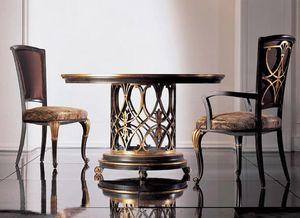431T, Tisch mit geschnitztem Boden