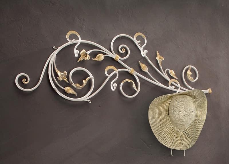 AT/510, Wandgarderoben aus Schmiedeeisen dekoriert