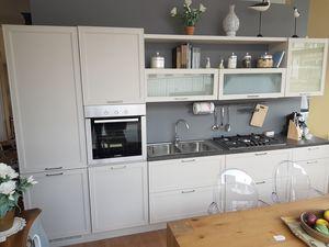 Melograno Küche, Küchenmöbel mit Geräten