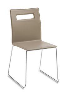 Nuvola, Stapelbarer Stuhl mit Kufengestell