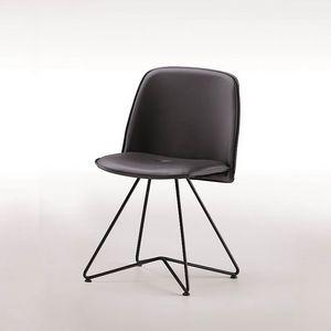 Molly-X, Stuhl mit Metallbeinen