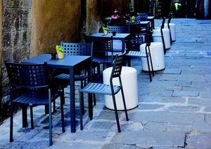 9252 Alice, Stapelbarer Stuhl aus galvanisiertem Stahl