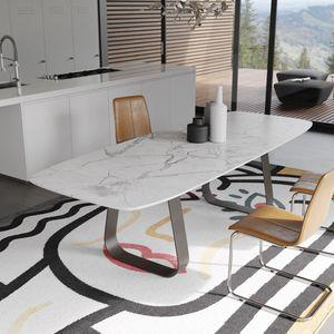 MUN Marmor, Tisch mit Marmorplatte