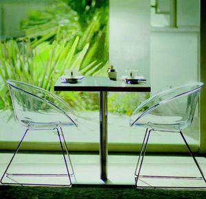 580 Gliss, Stuhl mit Kufengestell