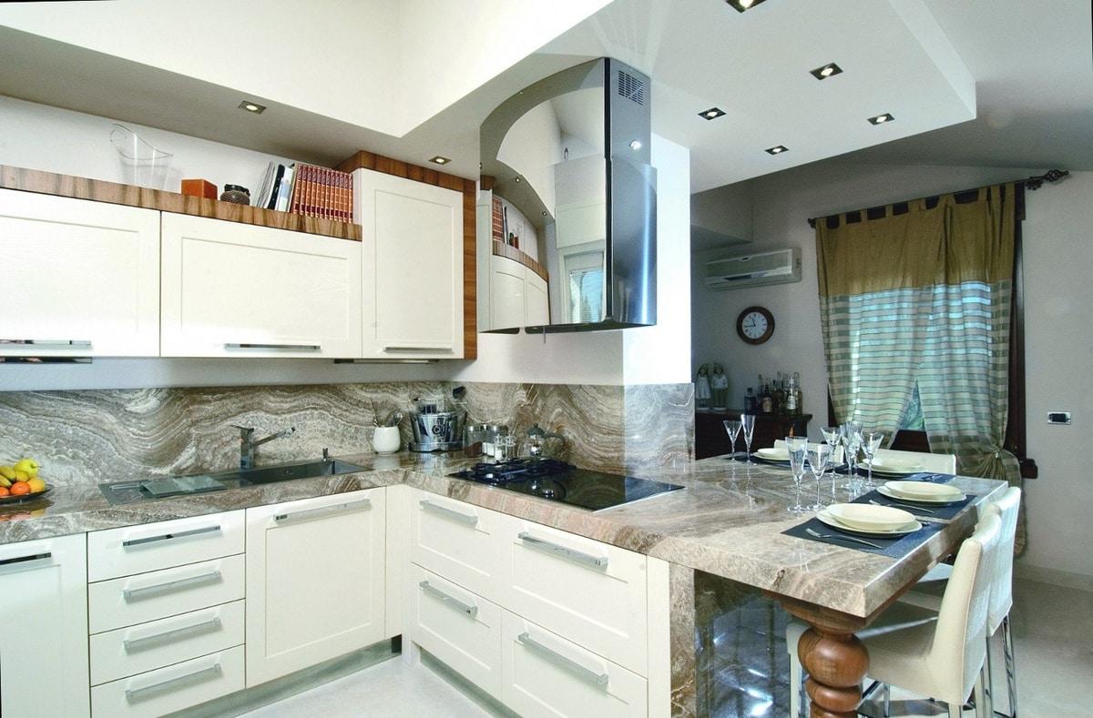 Elegante Küche mit Marmorplatte  IDFdesign