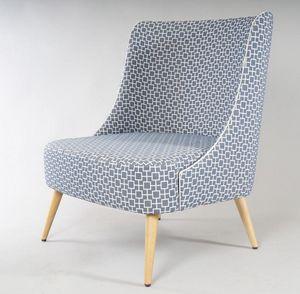 BS504A - Sessel, Sessel mit breiter Sitzfläche