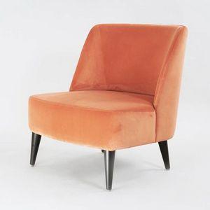 BS542A - Sessel, Bequemer und umhüllender Sessel