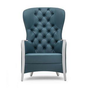Euforia 00143K, Sessel aus Massivholz, Sitz gepolstert, Rücken gesteppt, Armlehnen aus Holz, moderner Stil