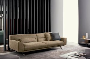 Feenix, Sofa mit starken Linien