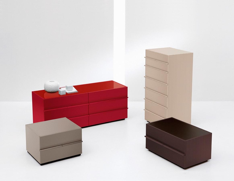 AKI nightstand, Moderne Lack-Nachttisch, für Schlafzimmer