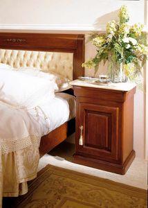Romantica Nachttisch, Nachttisch im traditionellen Design