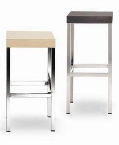 Cube-L, Hocker aus Metall mit quadratischem Holzsitz