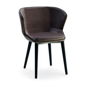 Baxi PTW, Gepolsterter Sessel mit Holzkonstruktion