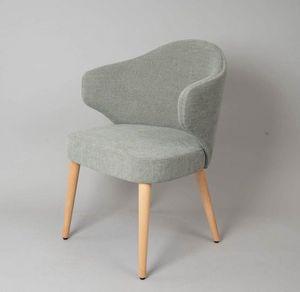 M41, Stuhl mit zeitgemäßem Design