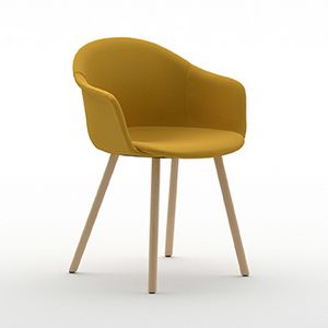 Máni Armshell fabric 4WL, Umhüllender Sessel mit Holzbeinen