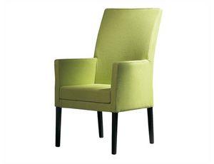 Nada 506, Sessel aus Holz mit hoher Rückenlehne