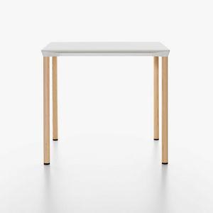 Monza mod. 9208-01 / 9203 / 9205 / 9224-01, Stapelbare Tisch aus Aluminium mit Laminat