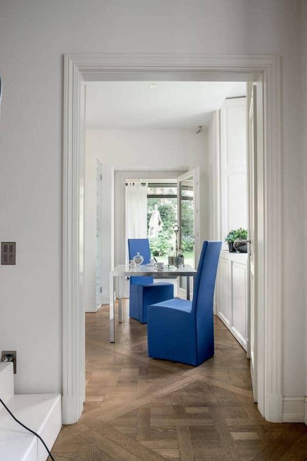 SORBONA, Esszimmerstuhl komplett in Leder, für Hotel abgedeckt