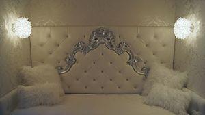 Sara custom, Einzelbett mit Barockkopfteil